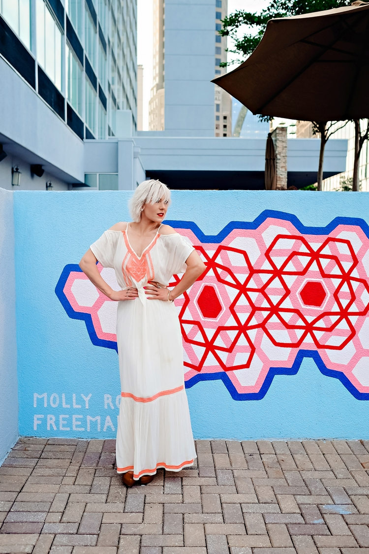 Endless Summer at W Hotel Buckhead // Art Show with Jeremy Brown by Atlanta fashion blogger Chelissima DSCF9593